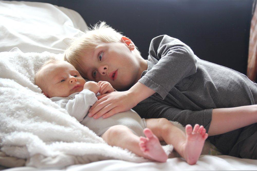 Советы родителям: брат и сестра — равноправные и родные люди