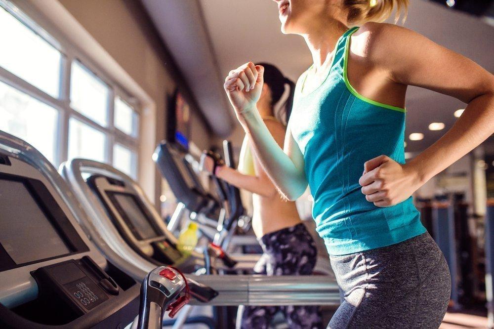 Фитнес-тренировки, включающие бег, для больных гипертонией