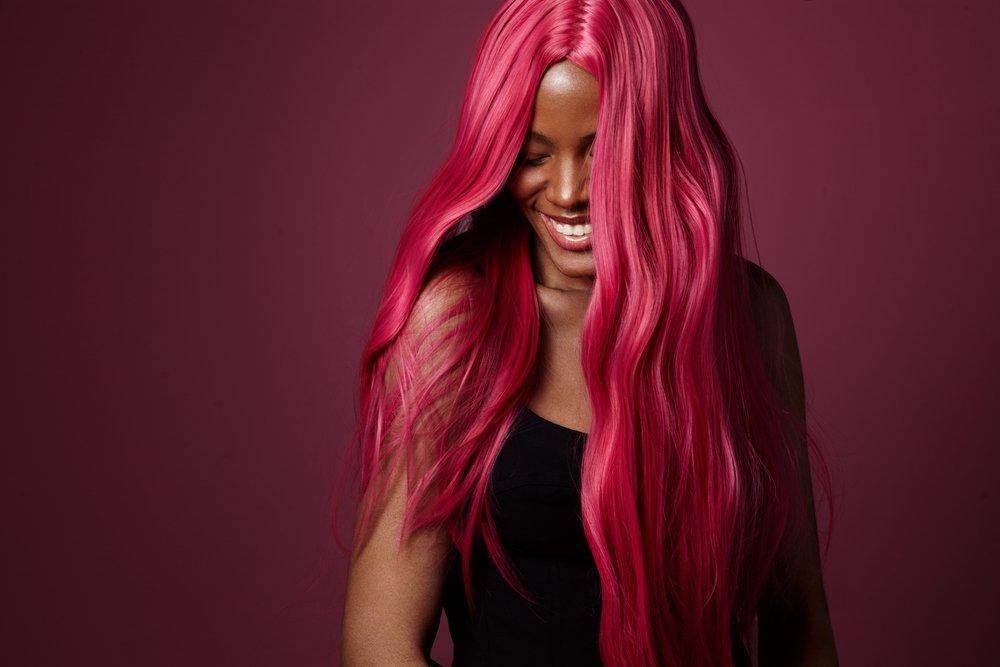 Неоновое окрашивание: флуоресцентная краска для волос