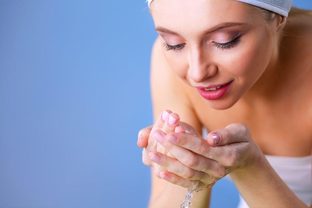 Рецепт 1: Утреннее умывание для свежести и гладкости кожи