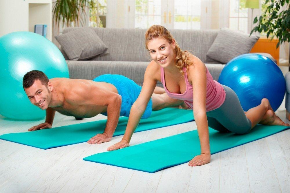 Упражнения для бицепсов и мышц груди