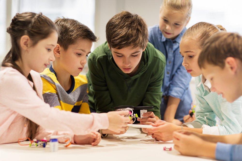 Занятия робототехникой в детских кружках