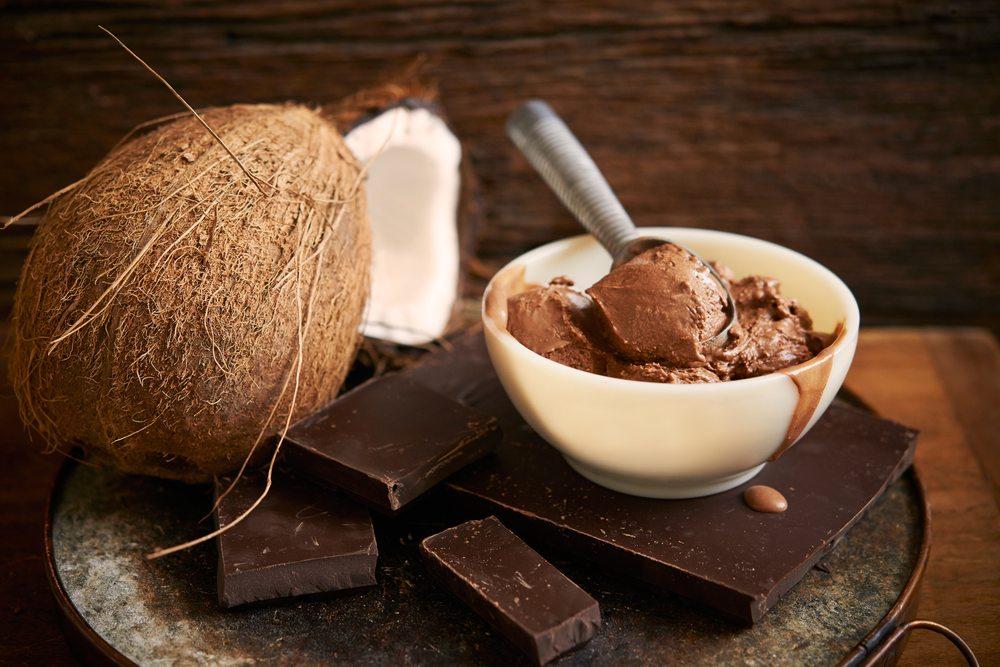 Шоколадно-кокосовая паста на десерт Источник s3-media4.fl.yelpcdn.com