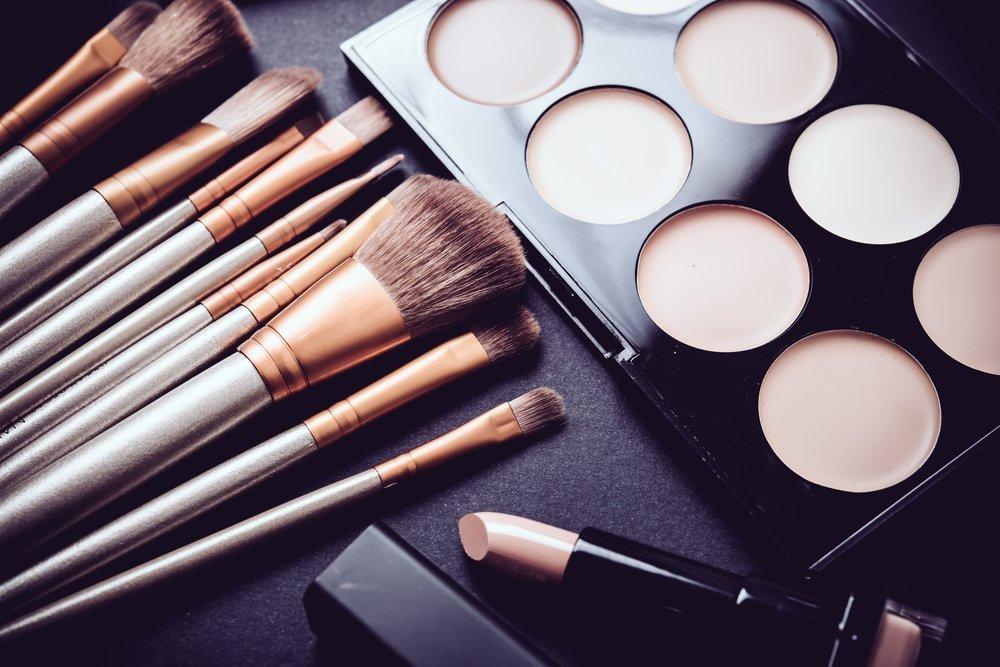 Basic или For me: какие выбрать курсы макияжа?