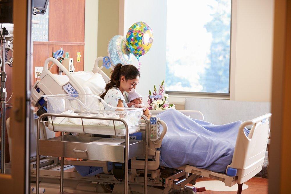 Почему внутрибольничные инфекции опасны именно для новорожденных и рожениц?