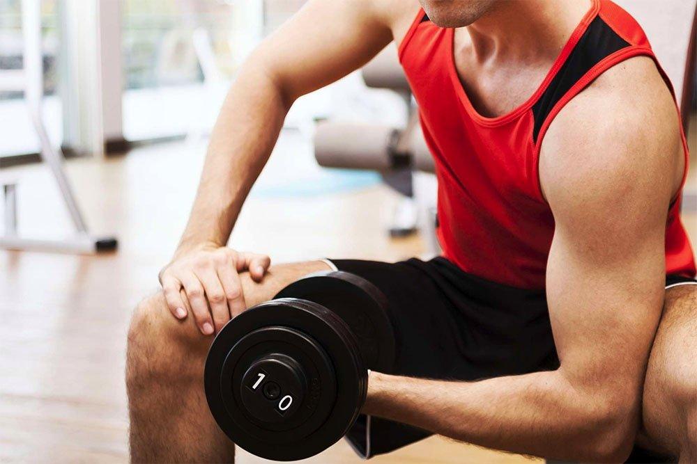 Программа занятия фитнесом для двуглавых мышц плеч и мускулатуры груди