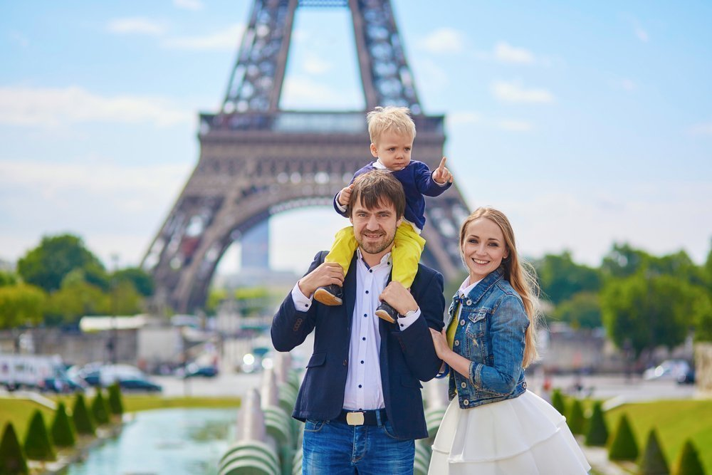 Французский тренд: «сдержанные дети — заслуга сильных родителей»