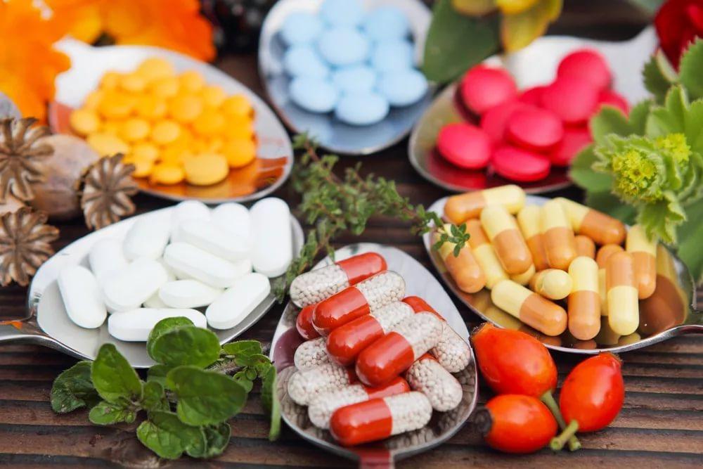 Витамины для иммунитета в составе синтетических комплексов
