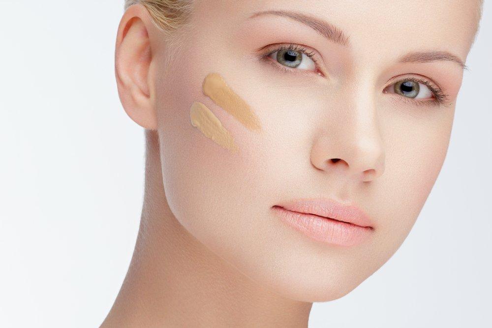 Тест на лице поверх макияжа