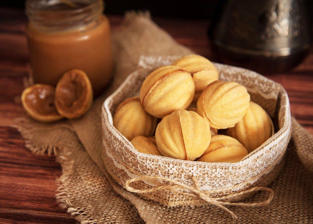 Классический рецепт орешков со сгущенкой