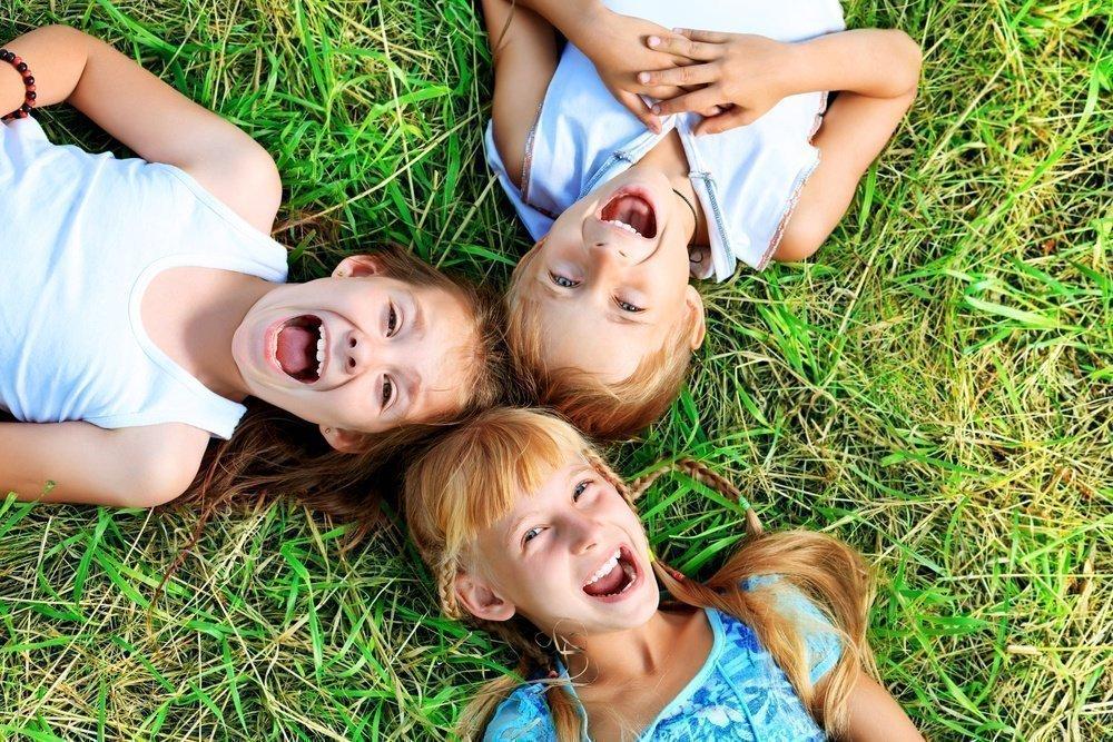 Поездка ребенка в летний лагерь: подготавливаем документы