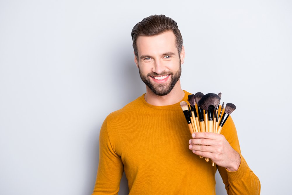 Косметика для выполнения мужского макияжа