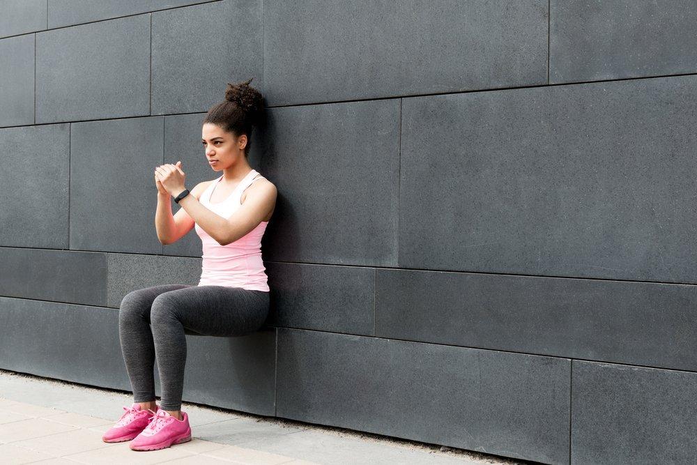 Польза для мышц и всего организма от занятий фитнесом, включающих элемент «Стульчик»