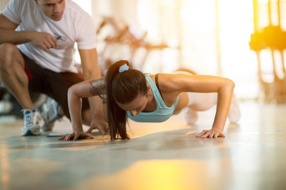 Фитнес-упражнения для рук с использованием веса своего тела