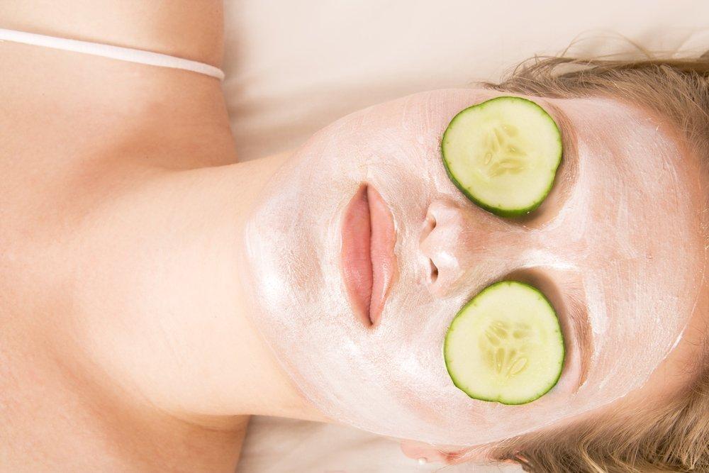 Маски для снятия отеков: советы косметолога
