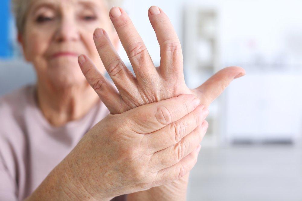 Не щелкай суставами, иначе будет артрит