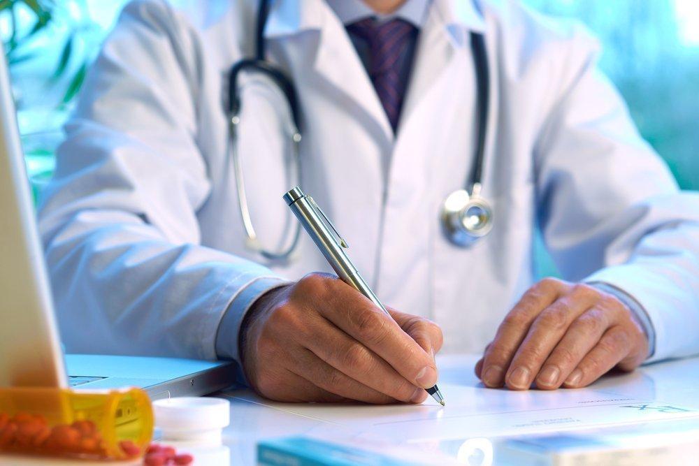 Должен ли врач выписывать рецепты на бланке?