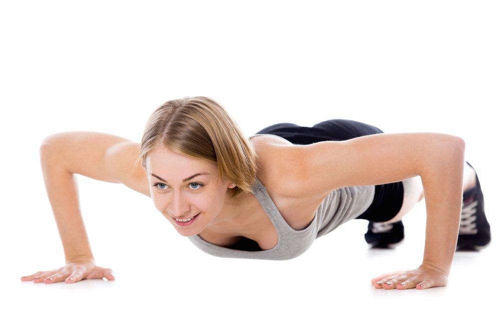 Утренняя фитнес-тренировка для плечевого пояса и рук