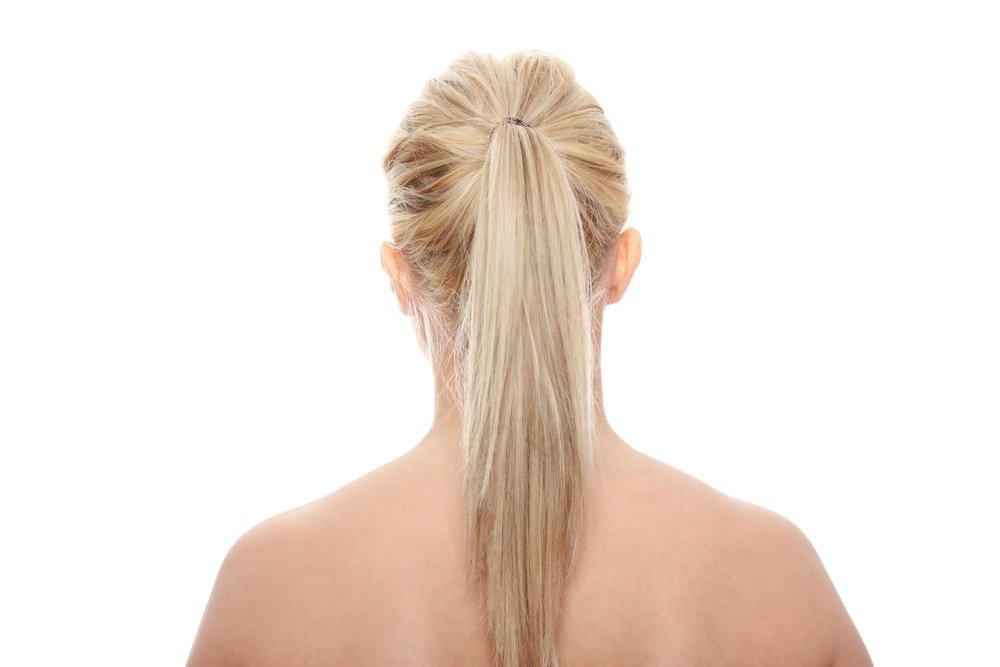 Не перетягивайте волосы резинками и заколками