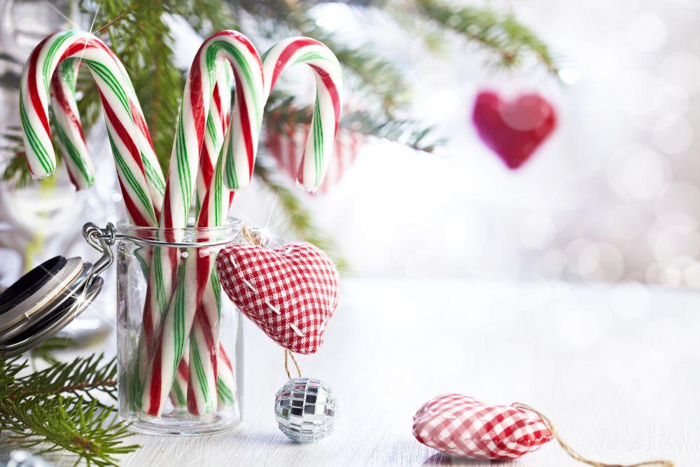 Творчество для Нового Года: елочка с конфетами