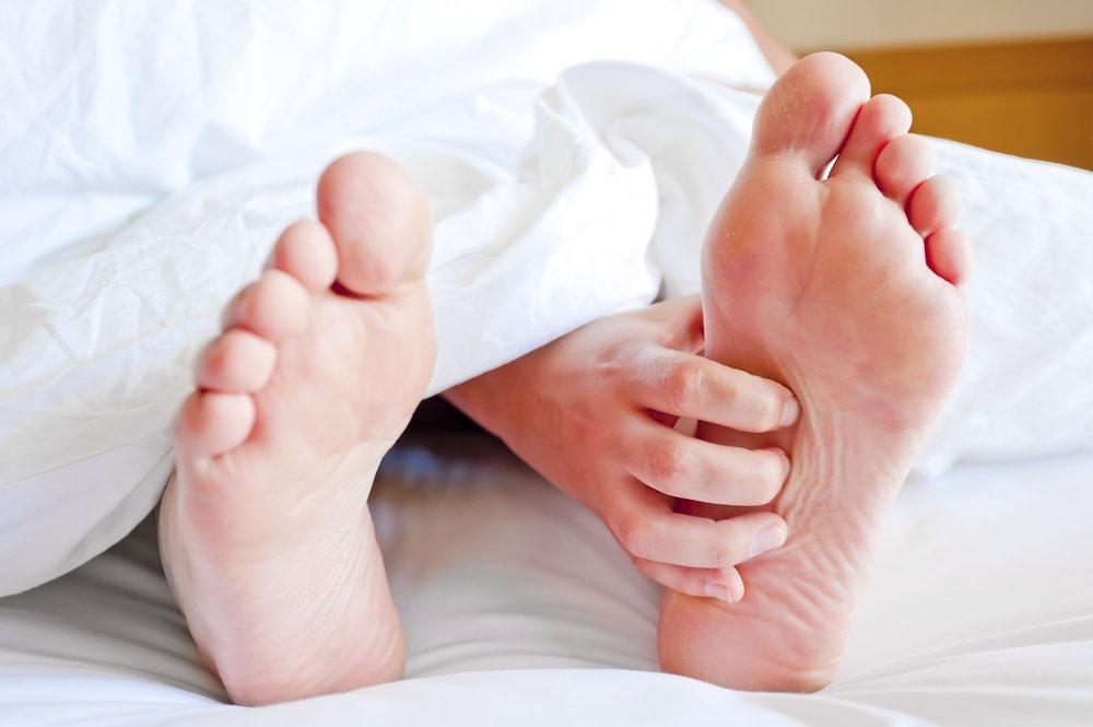 Что делать при судорогах ног