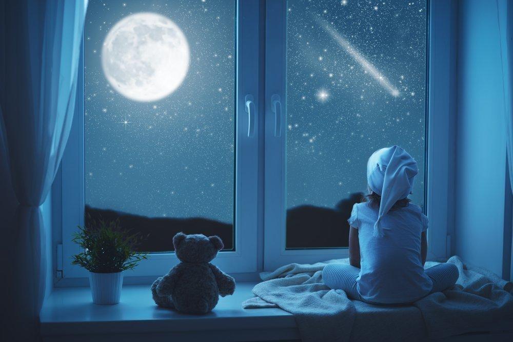 Первая помощь маленькому малышу, чтобы наладить его сон