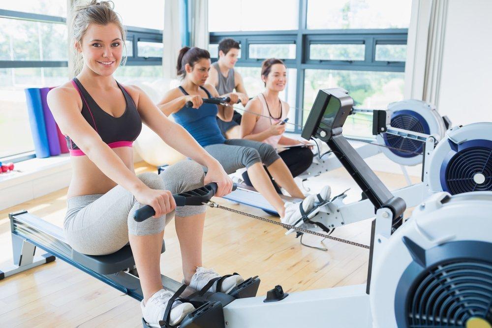 Преимущества занятий фитнесом с гребным тренажером