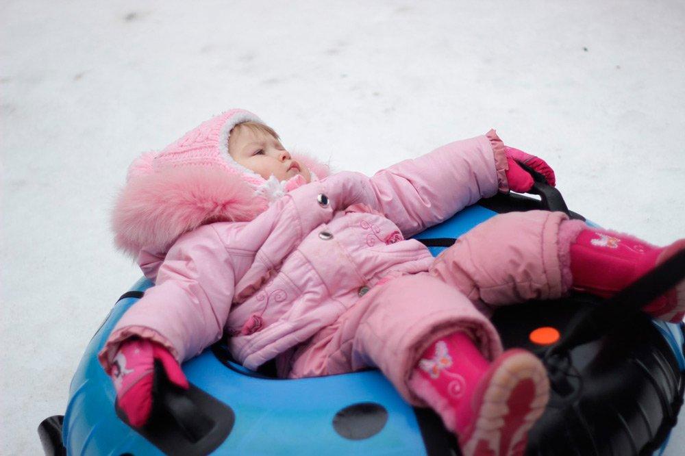 Праздничные забавы для ребенка: играем на улице