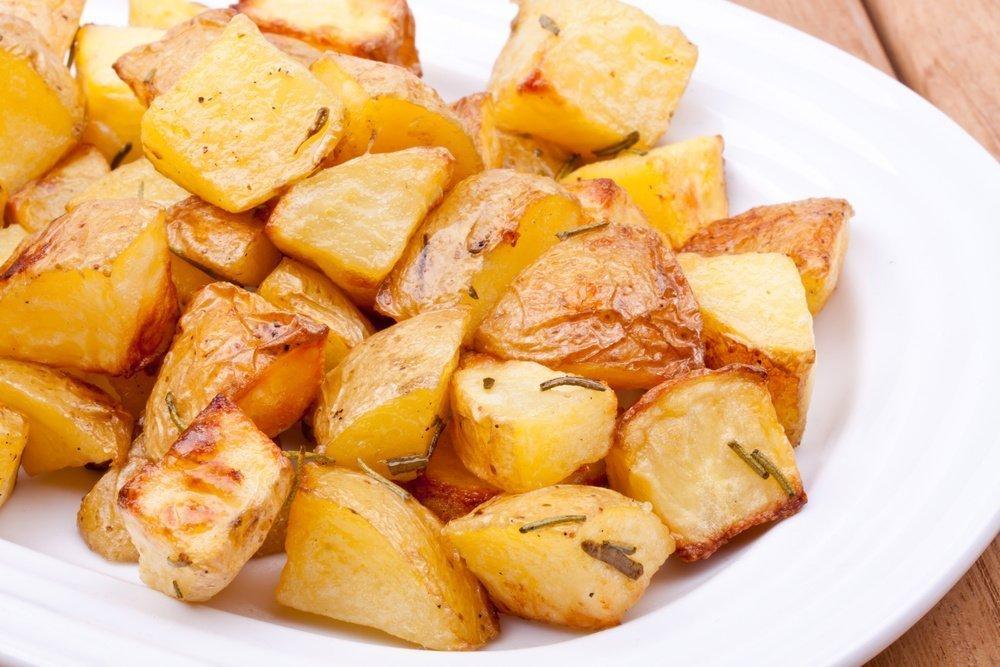 Простой рецепт запеченного картофеля с розмарином