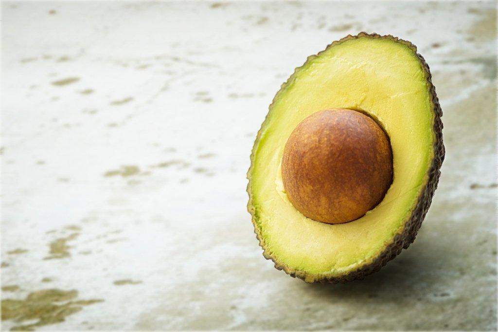 Авокадо и миндаль