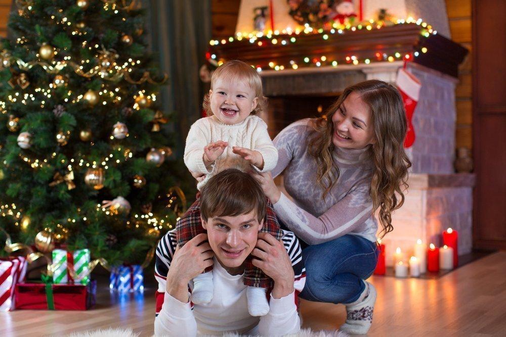 Базовые советы по украшению новогоднего деревца, если в доме ребенок