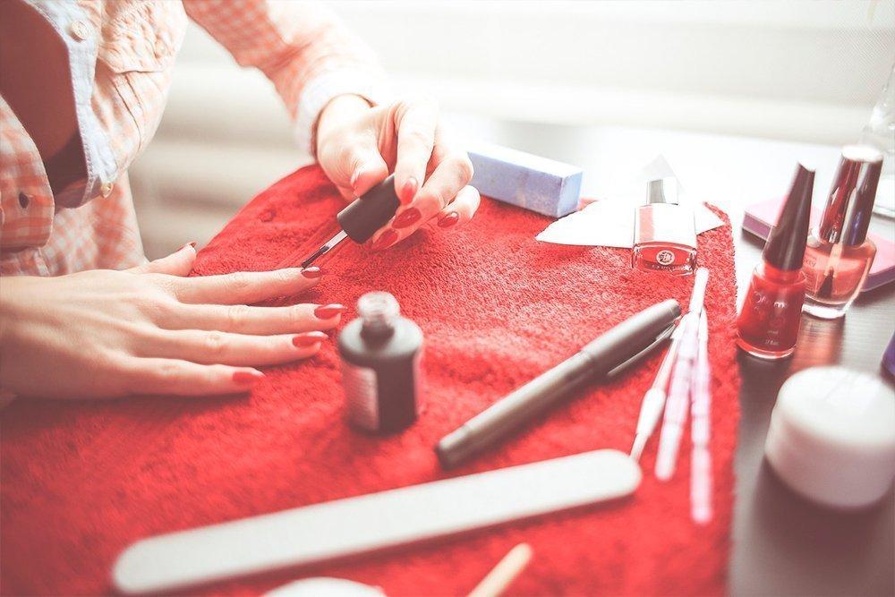 Средства для ногтей — профилактика вредной привычки