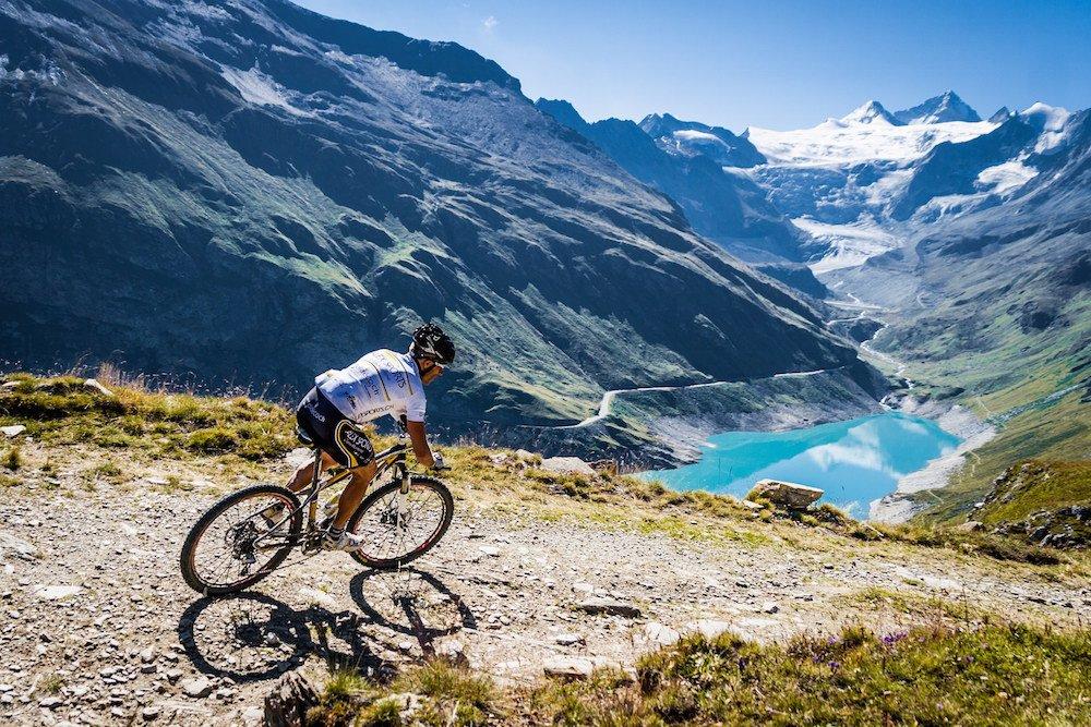 Какие эмоции приносит экстремальное хобби — езда в горах?