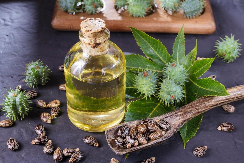 Секреты красоты из аптеки — касторовое масло от выпадения волос