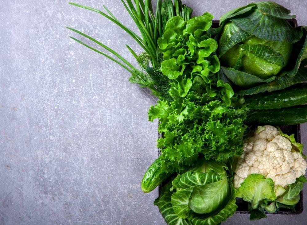 Темно-зеленые листовые овощи против воспаления
