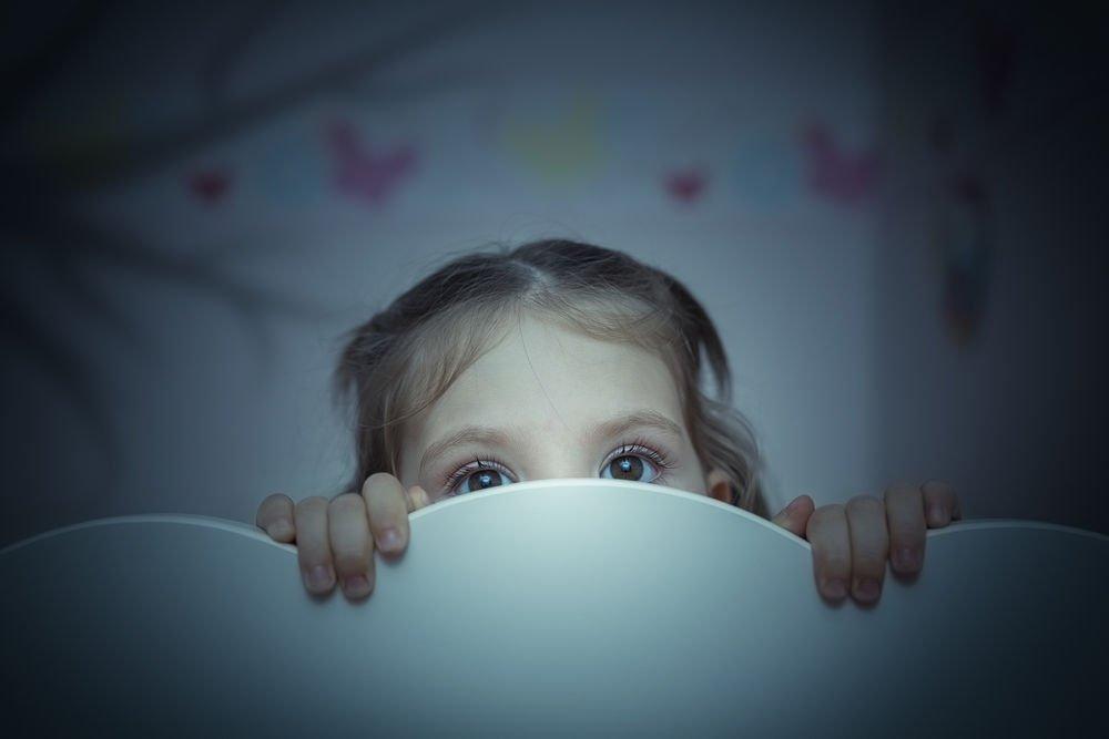 Причины страха темноты у детей
