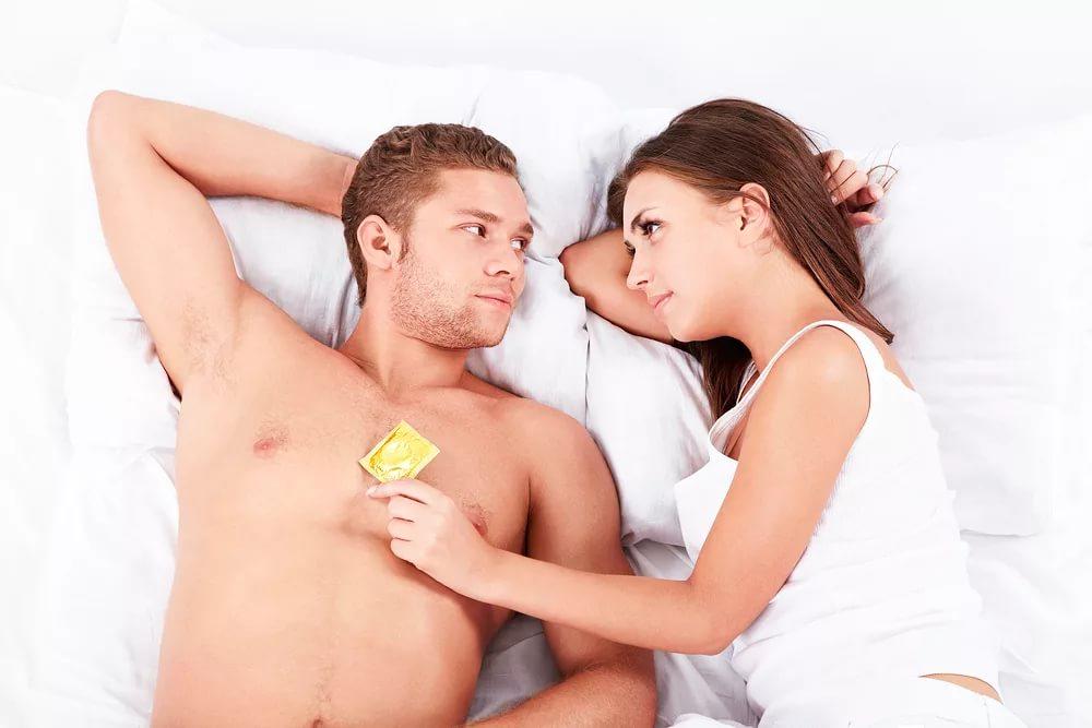 Надеть презерватив
