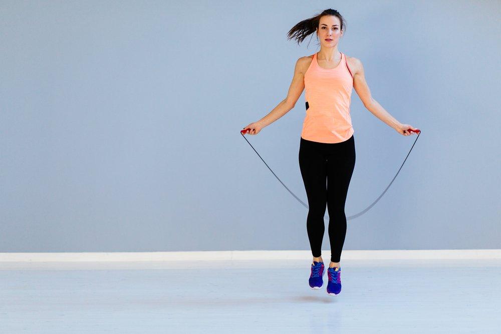 Базовые упражнения для устранения эффекта «галифе» на бедрах