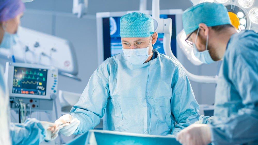 Операция по показаниям:возможна не всегда