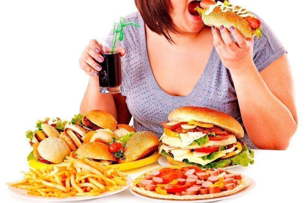 Вредные привычки: в чем опасность переедания?
