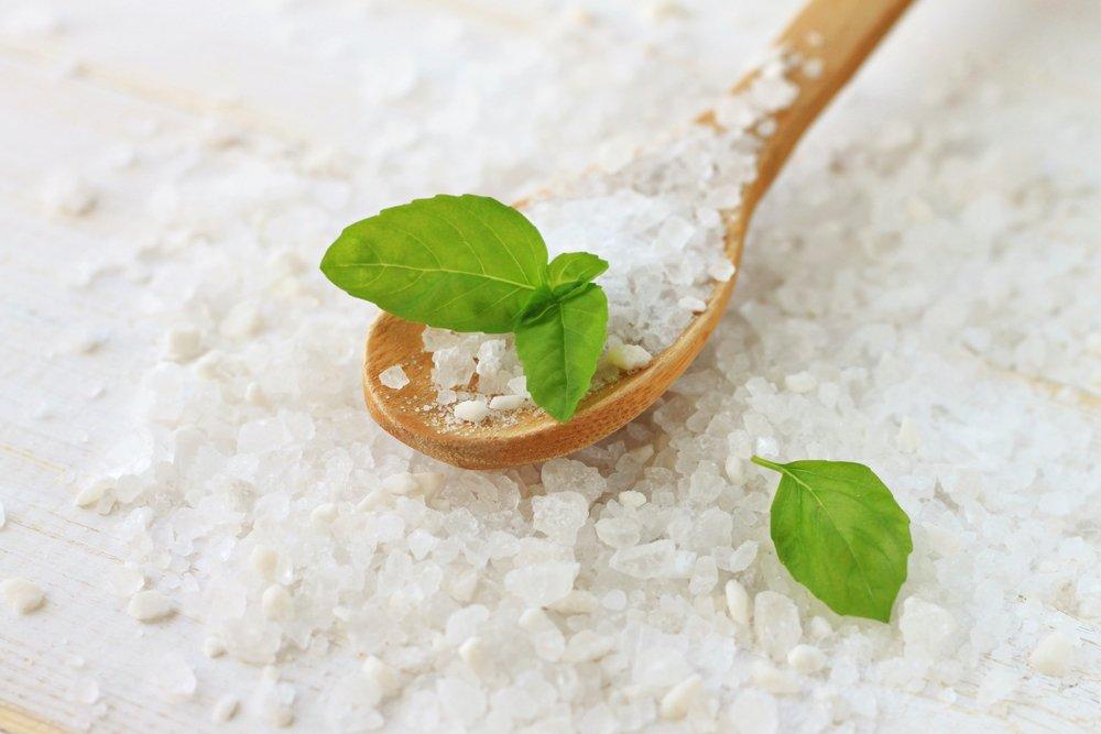 Миф четвертый: Йодированную соль не стоит применять для консервации и приготовления горячих блюд