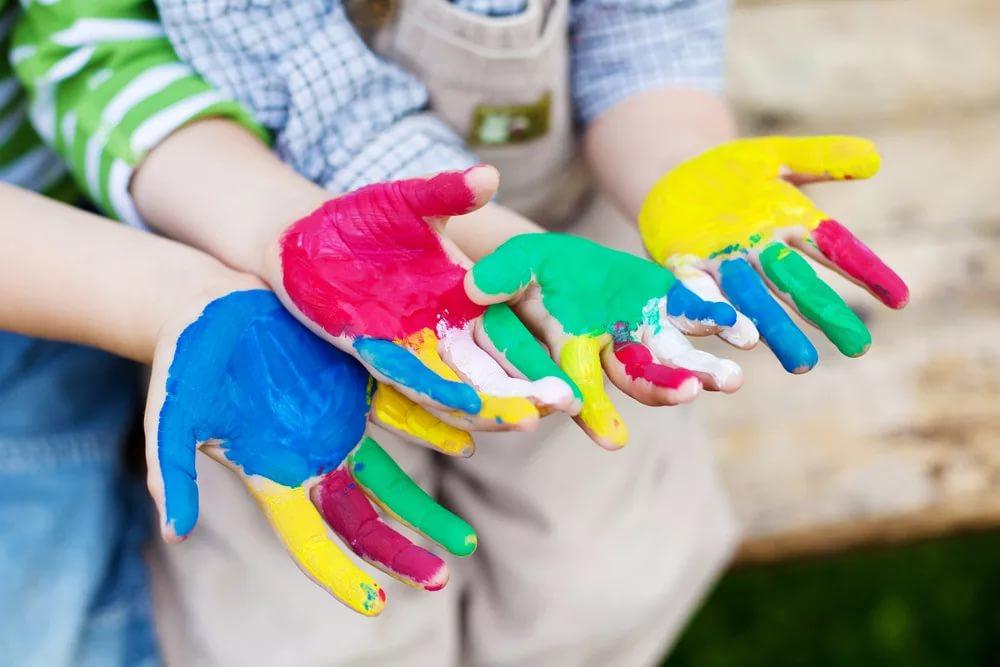 Обеспечьте ребенку интересную жизнь, полную ярких впечатлений