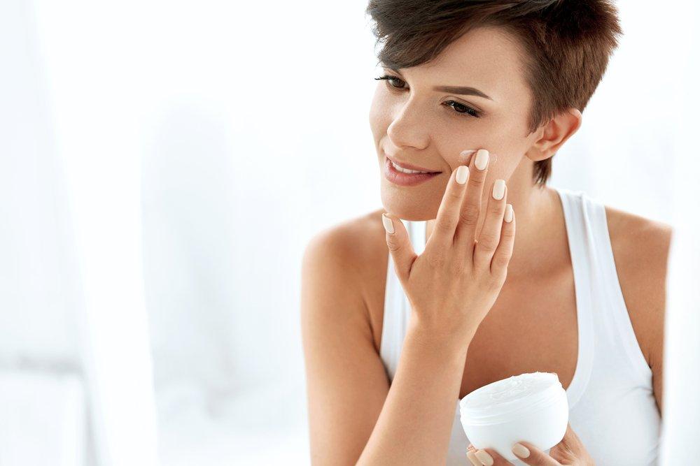 2. Применение косметики иногда ухудшает состояние кожи