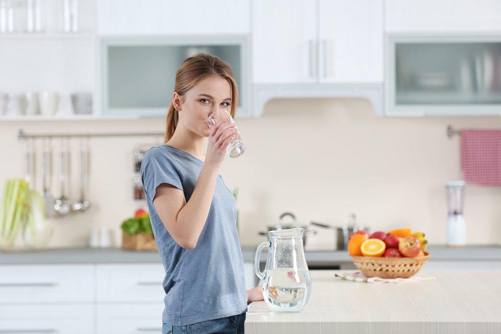 Ошибка №5: не пить достаточно воды, сидя на диете