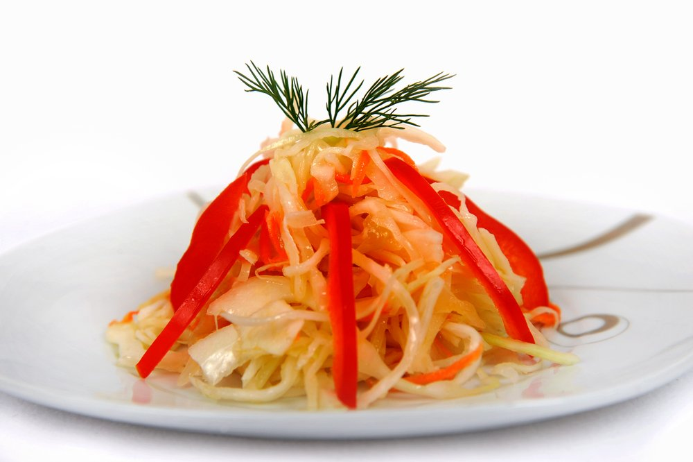 Как вкусно приготовить квашеную капусту с болгарским перцем?