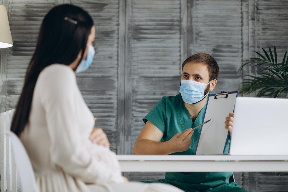 4 причины «за» вакцинацию и объяснения «против»