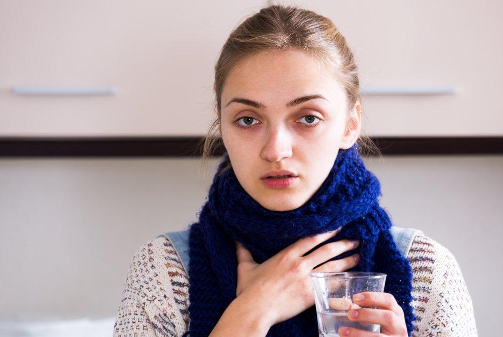 Симптомы ларингита: кашель, першение в горле, осиплость голоса и другое