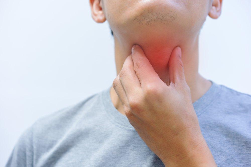 Возможные симптомы при паратонзиллярном абсцессе