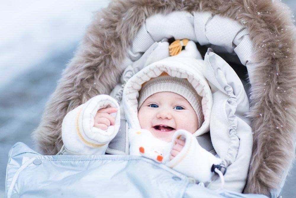 Как понять, что замерз малыш в коляске?