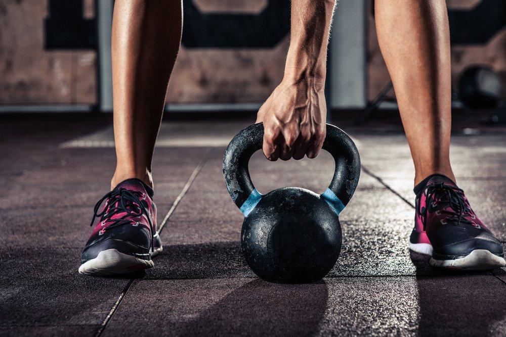 Польза и преимущества фитнес-тренировок с гиревыми снарядами